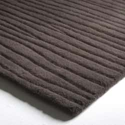 Tufted Wool with Sculpted Curves Design